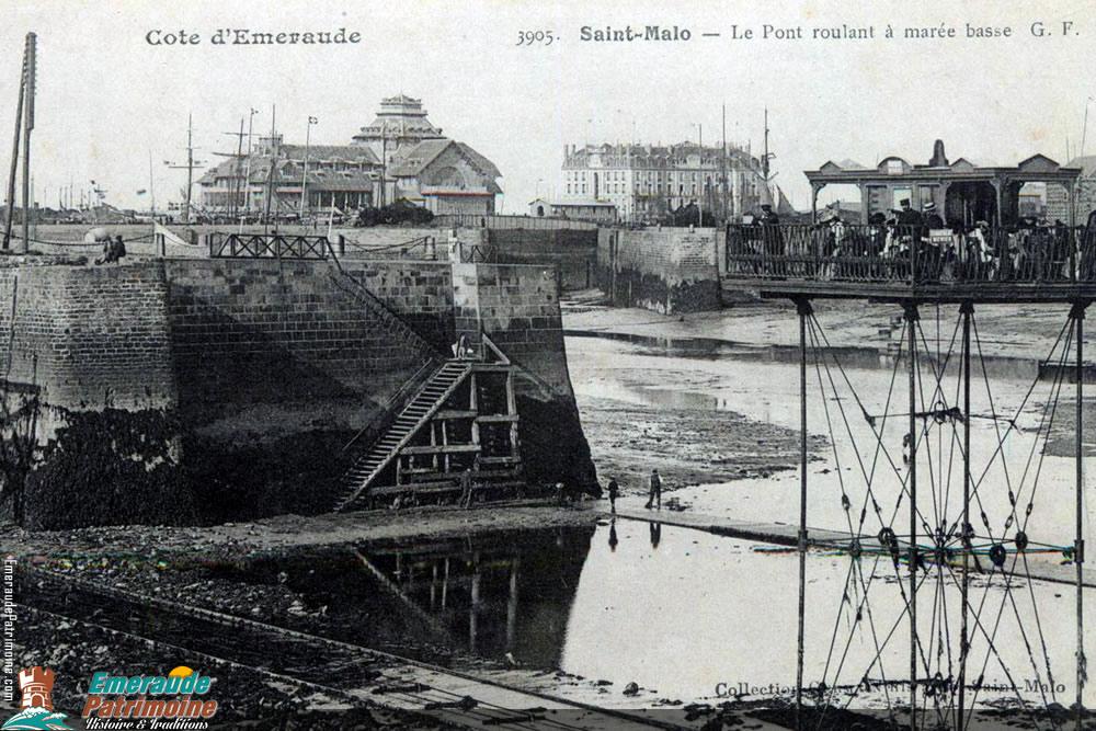 Pont roulant de Saint-Malo à marée basse